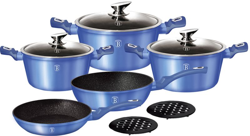 Набор посуды Berlinger Haus Metallic Line, с антипригарным покрытием, цвет: голубой, 10 предметов1658N-ВННабор посуды Berlinger Haus Forest Line состоит из 10 предметов. Посуда выполнена из кованого алюминия. Кастрюли оснащены стеклянными крышками.В наборе: сковорода (20 х 4,2 см), сковорода-сотейник (24 х 6,8 см), кастрюли: 2,5 л (20 х 10,4 см), 4,1 л (24 х 12 см), 6,1 л (28 х 12,5 см), 2 бакелитовые подставки под горячее. Изделия имеют эргономические ручки с покрытием soft touch, 3 слоя мраморного покрытия и индукционное дно. Подходит для всех видов плит: газовых, электрических, стеклокерамических, галогенных, индукционных.