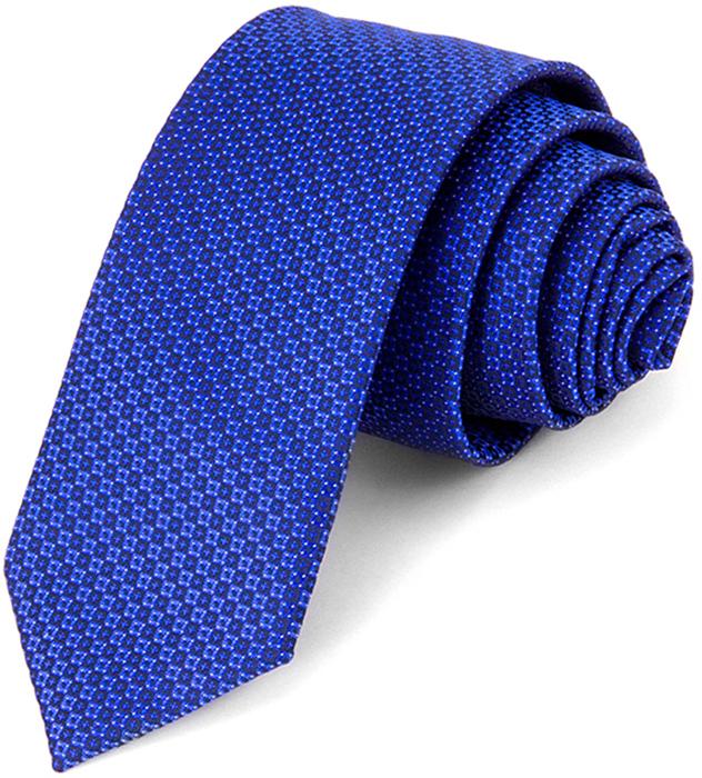 Галстук мужской Carpenter, цвет: синий. 607.1.142. Размер универсальный607.1.142Галстук Carpenter сшит вручную из микрофибры с мелкими элементами. Особую прочность и пластичность шелкоподобной ткани обеспечивают тончайшие волокона полиэстера. Галстук прекрасно дополнит сорочки с воротниками: французским и французским развернутым (акула). Этот стильный аксессуар прослужит долго благодаря нанесению защитного слоя тефлона вокруг каждой нити. Аксессуары Carpenter - эффектные дополнения для торжества и на каждый день!