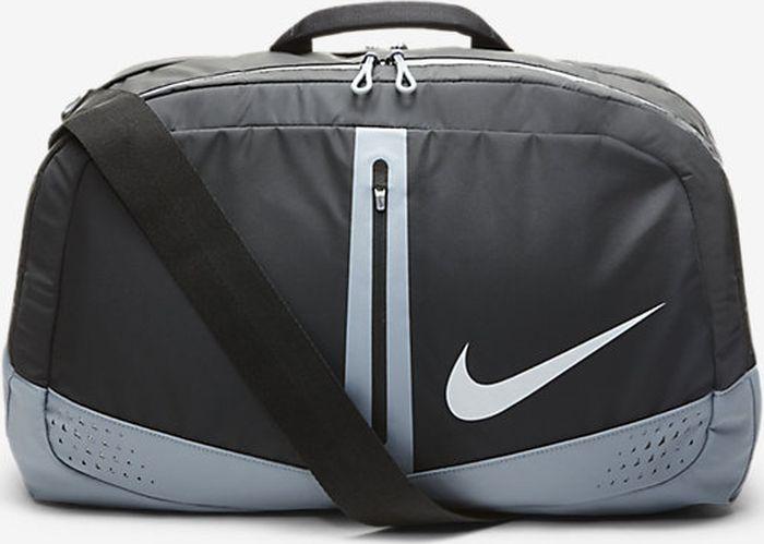 Сумка Nike Run Duffel Bag, цвет: черный, серый, серебристый. N.RI.02.009.NSN.RI.02.009.NSСумка Nike для занимающихся бегом, атлетикой, фитнесом. Состав: 100% полиэстер. Множество отделений на молнии. Вентилируемое отделение для обуви и использованной экипировки. Мягкая основа помогает защитить содержимое от повреждений. Регулируемая лямка. Внутренний разделитель позволяет организовывать пространство.