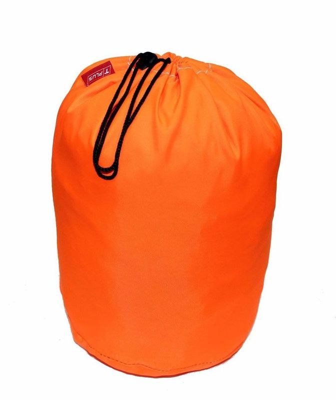 Мешок Tplus, универсальный, цвет: оранжевый, 35с х 50 смT000638Материал: оксфорд;Цвет: оранжевый;Непромокаемый.Мешок для буксировочных ремней и динамических строп. Tplus подходит для упорядоченного хранения эвакуационных принадлежностей (троса) в багажнике автомобиля.