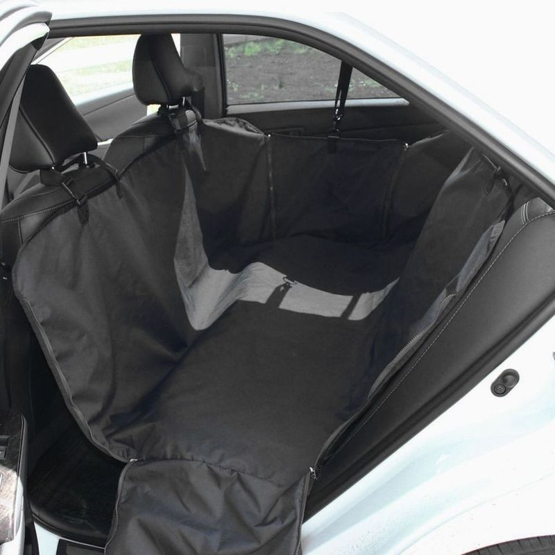 Автогамак Стандарт, цвет: черныйT002205Автогамак, оксфорд, черный Tplus Стандарт служит для застилания всего заднего дивана и спинок передних сидений для защиты обивки от загрязнений при перевозке собак крупных пород в салоне автомобиля. Изделие выполнено из специальной синтетической ткани, которая отличается прочностью, износостойкостью и водонепроницаемостью.