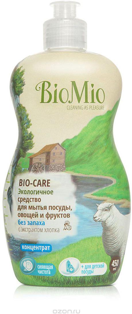 Средство для мытья посуды, овощей и фруктов BioMio, без запаха, 450 млЭБ-245Многофункциональное эффективное средство BioMio с мягким безопасным действием идеально подходит для мытья детской посуды, овощей и фруктов. Концентрированная формула обеспечивает экономичный расход. Специальная формула с экстрактом хлопка обеспечивает мягкое и деликатное действие на кожу рук. Подтвержденный антибактериальный эффект с дополнительной защитой для всех членов семьи благодаря ионам серебра. Безопасно для окружающей среды. Не содержит: фосфаты, агрессивные ПАВ, SLS/SLES, ПЭГ, хлор, нефтепродукты, искусственные ароматизаторы и красители. BioMio - линейка эффективных средств для дома, использование которых приносит только удовольствие. Уборка помогает не только очистить и гармонизировать свое пространство, но и себя, свои мысли, поэтому важно ее делать с радостью. Средства, созданные с любовью и заботой, помогут в этом и идеально справятся с загрязнениями, оставаясь при этом абсолютно безопасными и экологичными. Средства BioMio незаменимы, если в доме есть ребенок. Характеристики:Состав: 5-15% анионные ПАВ; Объем: 450 мл. Товар сертифицирован.Как выбрать качественную бытовую химию, безопасную для природы и людей. Статья OZON Гид