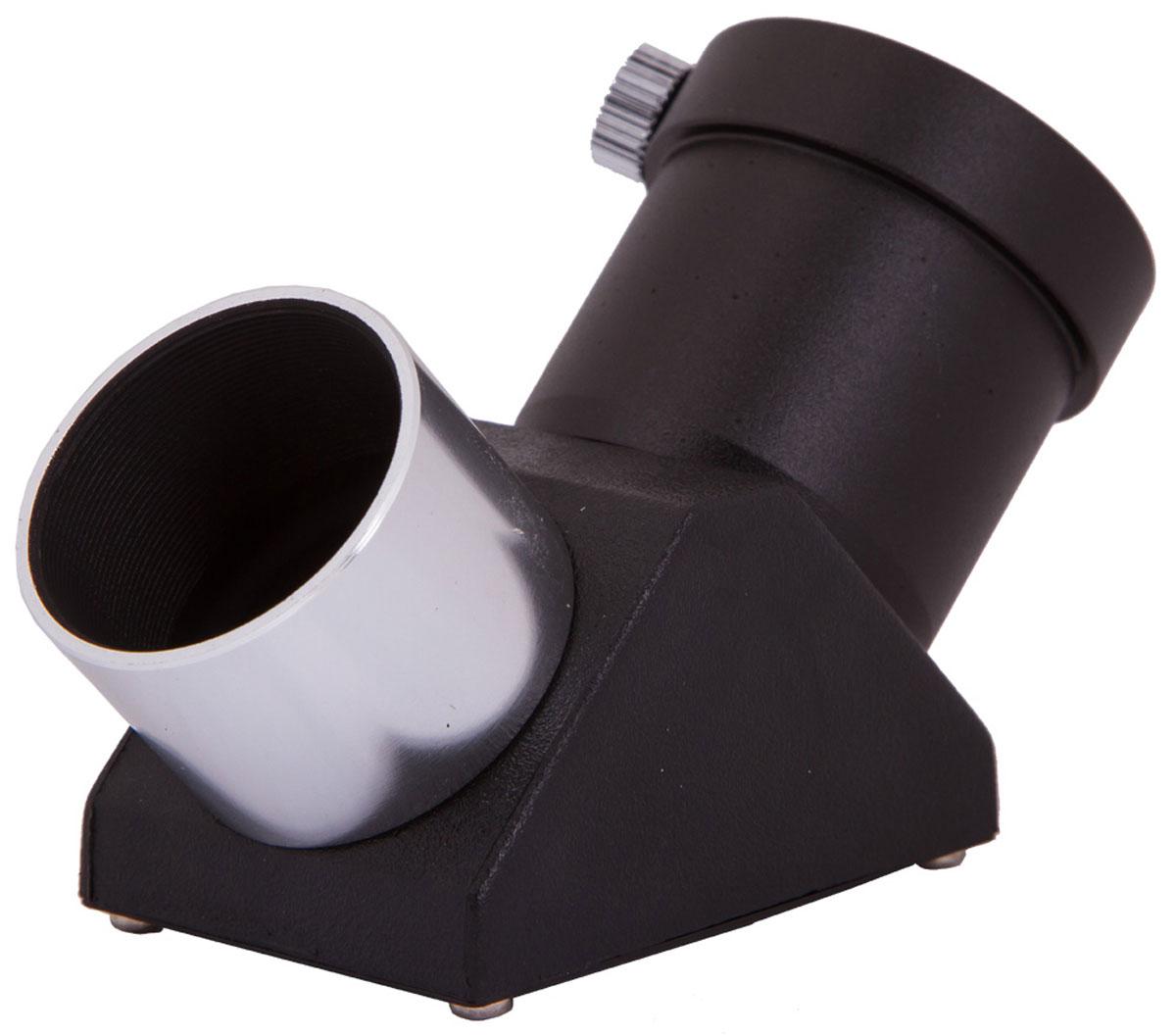 Sky-Watcher 69334 призма оборачивающая 90° 1,2569334Оборачивающая призма Sky-Watcher 69334 пригодится владельцам линзовых и зеркально-линзовых телескопов. Этот аксессуар за счет внутренних отражений формирует неперевернутое и не зеркальное изображение в окуляре – это особенно ценно при ландшафтных наблюдениях. Кроме того, призма отклоняет световой поток на 90° – смотреть на объекты, которые находятся высоко над горизонтом, будет удобнее. Оборачивающая призма имеет стандартный посадочный диаметр – 1,25. Призма вставляется в фокусировочный узел, после чего в нее устанавливается окуляр. На оптические поверхности нанесено полное покрытие, повышающее резкость и контрастность картинки.