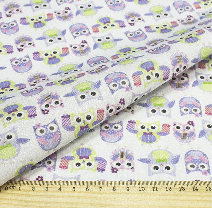 """Ткань """"Кустарь"""" - это высококачественная ткань из 100% хлопка, которая отлично подходит для  пошива покрывал, сумок, панно, одежды, кукол. Также подходит для рукоделия в стиле  скрапбукинг и пэчворк.  Плотность ткани: 120 г/м2.  Размер: 48 х 50 см."""