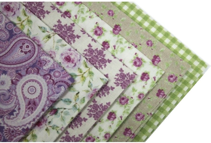 """Ткань Кустарь """"Пионы в саду"""" - это высококачественная ткань из 100% хлопка, которая отлично подходит для пошива покрывал, сумок, панно, одежды, кукол. Также подходит для рукоделия в стиле скрапбукинг и пэчворк. В наборе 6 тканей различных расцветок.  Плотность ткани: 120 г/м2. Размер: 48 х 50 см."""