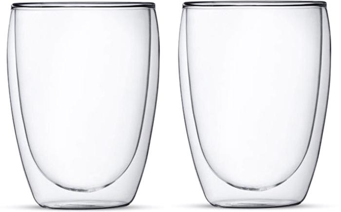 Набор стаканов Folke, с двойными стенками, 300 мл, 2 шт. 2010226U2010226UНабор стаканов Folke изготовлен из высококачественного боросиликатного стекла. Благодаря двойным стенкам стакан не только дольше сохраняет температуру напитков, но и защищает от ожога. Можно спокойно держать его в руке, даже если пьете горячий чай или кофе. Идеально подходит как для горячих, так и для холодных напитков. Эргономичная форма стакана препятствует выскальзыванию из руки, а изящный дизайн подчеркнет цвет напитка.