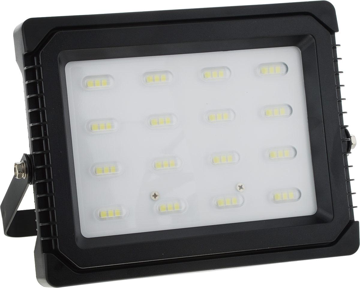 Прожектор Navigator NFL-P-50-6.5K-IP65, светодиодный4670004719855Прожектор Navigator NFL-P-50-6.5K-IP65 используется для освещения предметов и объектов, удаленных на расстояния, многократно превышающие размер самого прибора. Прожекторы общего назначения применяются при освещении рабочих периметров, открытых территорий, зданий и памятников.Мощность: 50 Вт.Световой поток: 3600 лм.Цветовая температура: 6500 К.Индекс цветопередачи: >75.Степень защиты: IP65.Напряжение: 220-240 В.Частота: 50/60 Гц.Сила тока: 0,21 А.Коэффициент мощности: >0,9.Температура эксплуатации: от -40°C до +40°C.Срок службы: 40000 ч.
