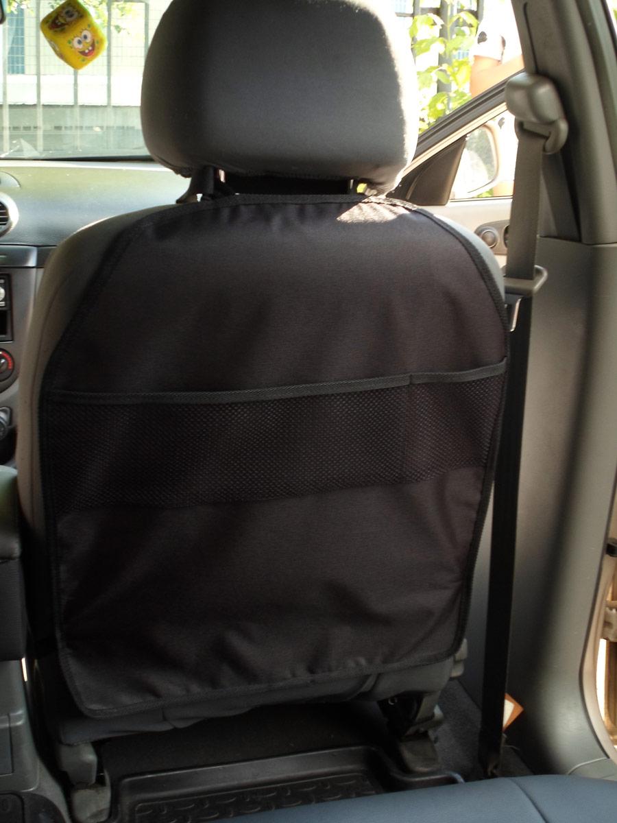 Накидка защитная для животных AvtoPoryadok, на спинку переднего сиденья, цвет: черный, 60 х 49 смS17315BlУниверсальные накидки на спинку сидения автомобиля надежно защитят обивку салона от загрязнения - следы грязной обуви ребенка останутся на элементе. Саморасправляемая конструкция удобно фиксируется за подголовник и в нижней части сидения. Аксессуар легко очищается от загрязнений сухой или влажной салфеткой. Легко хранить, в сложенном виде очень компактен.Преимущества:-изготовлена из износостойкой и водонепроницаемой ткани ПВХ 600 Дэн;-ткань легко моется и стирается при 30°С;-универсальное и надежное крепление (фастекс), подходящие под любой вид сиденья;-усиленная резинка шириной 20 мм;-простота установки и снятия;-удобные карманы для хранения мелочей;-конструкция, позволяющая свернуть чехол и убрать в перчаточный ящик. Как выбрать обогреватель. Статья OZON Гид