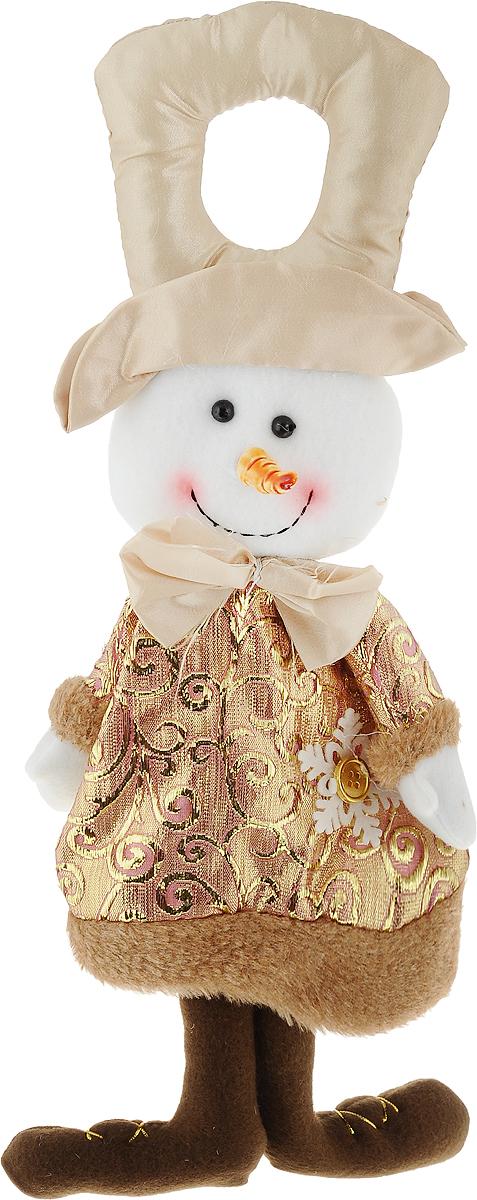 Новогоднее украшение Снеговик, цвет: бежевый, 19 х 37 см175845 BНовогоднее украшение Снеговик ручной работы отлично подойдет для декорации вашего дома и новогодней ели. Украшение можно повесить в любом понравившемся вам месте, но, конечно, удачнее всего оно будет смотреться на праздничной елке.Елочная игрушка - символ Нового года. Она несет в себе волшебство и красоту праздника. Такое украшение создаст в вашем доме атмосферу праздника, веселья и радости.