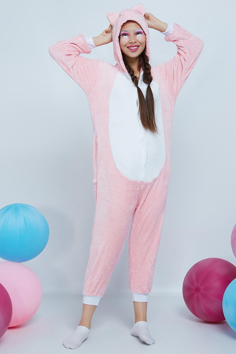 Комбинезон домашний женский Nothing but love, цвет: белый, розовый. 201528. Размер M (44)201528Уютные кигуруми носят в качестве пижам, домашней одежды и спортивных костюмов. Популярны они стали благодаря модному направлению гангуро в Японии. Звезды Джаред Лето, Кара Делевинь и Ариана Гранде сделали эти комбинезоны своей фишкой.Удобные пуговицы спереди позволяют легко застегивать вещь. В боковых швах есть карманы средней глубины. Сзади находится молния, скрытая в поперечном шве. Трикотажные манжеты на рукавах и штанинах легко растягиваются, не затрудняя движений. Двусторонний флис, из которого сделан комбинезон, приятный и нежный наощупь. К тому же качественный материал позволяет сохранять тепло. Подкладка у изделия отсутствует.