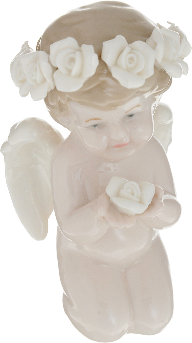 Фигурка декоративная Ангел, цвет: слоновая кость, 6 х 6 х 10 см10823Декоративная фигурка Ангел с венком из белых роз станет прекрасным сувениром, который вызовет улыбку и поднимет настроение.Фигурка выполнена из фарфора.