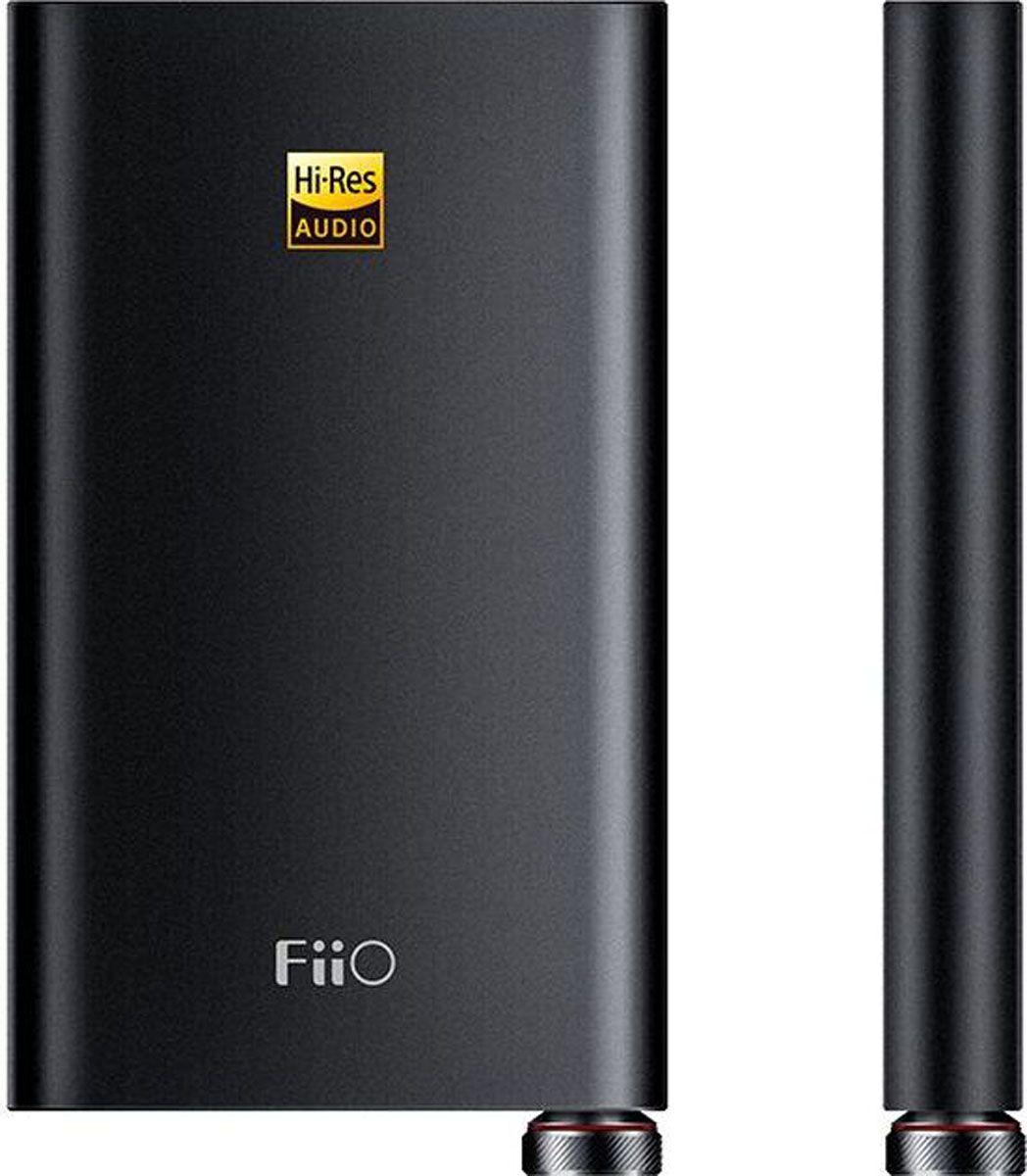 Fiio Q1 II, Black усилитель для наушниковQ1 IIУсилитель и ЦАП для iPhone. Богатый выбор портов для многофункционального применения, в том числе с компьютерами в качестве устройства, передающего звук по USB-соединению, обеспечивает эффективный апгрейд звуковой карты.Модель оснащена как стандартным входом 3.5 мм, так и балансным разъемом 2.5мм. Платформа XMOS позволяет модели распознавать более широкий диапазон музыкальных форматов, в т.ч. Native DSD256.Частотный диапазон: 6 гЦ~80 кГц Время работы: > 20 (AUX-вход) >10ч (USB-вход) Соотношение сигнал/шум: 110дБ Металлический корпус