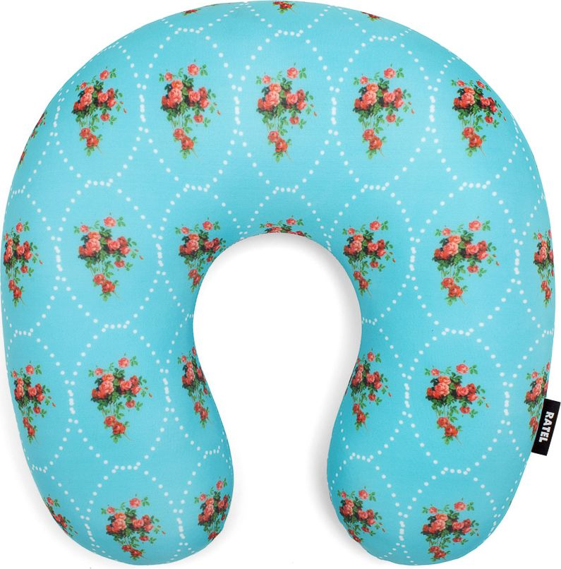 Подушка для шеи Ratel ПровансPP016Большая и уютная подушка для шеи Ratel позаботится о вашем комфорте во время путешествий. Наполнитель подушки - премиальный антистресc - приятный на ощупь, гигиенически безопасный, гипоаллергенный, устойчивый к воздействию влаги. Благодаря своему наполнителю подушка Ratel мгновенно принимает анатомию шеи и обеспечивает правильное положение шейных позвонков во время сна при длительных поездках и перелетах. Назначение подушки Ratel: -Правильная фиксация головы во время отдыха при перелетах и длительных переездах. -Комфортный сон. -Яркая индивидуальность.