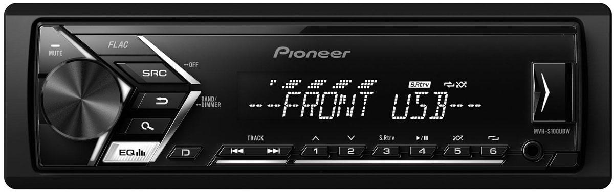 Pioneer MVH-S100UBW автомагнитола498432Автомагнитола Pioneer MVH-S100UBW создана специально для цифровой музыки и современных носителей информации. К ней можно подключить смартфон на Android, а также другие устройства через USB порт или дополнительный Aux-вход на фронтальной панели. При этом вы можете одновременно слушать любимую музыку и заряжать аккумулятор телефона. Вы также можете настроится на одну из 24 предустановленных FM радиостанций, чтобы получать ещё больше музыкального контента.Встроенный усилитель MOSFET с выходной мощностью 4 х 50 Вт позволяет воспроизводить музыку в высоком качестве . Для того, чтобы увеличить мощность, можно воспользоваться RCA выходом на тыловой панели устройства для подключения дополнительного сабвуфера или усилителя. Эта модель имеет короткое шасси ( корпус на 41% короче обычного), что существенно упрощает ее установку в автомобиле.