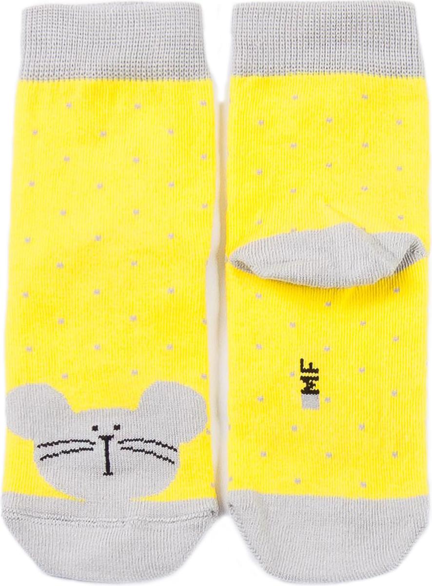 Носки для девочки Mark Formelle, цвет: желтый. 400K-313_343. Размер 19/20400K-313_343Удобные носки от Mark Formelle, изготовленные из высококачественного хлопкового материала с добавлением полиамида и эластана, очень мягкие и приятные на ощупь, позволяют коже дышать. Эластичная резинка плотно облегает ногу, не сдавливая ее, обеспечивая комфорт и удобство. Носки оформлены принтом в виде мордочки мышки.