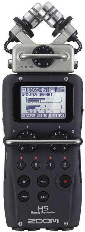 """Zoom H5, Black диктофонH5Устройства Zoom продолжают постоянно эволюционировать, чтобы соответствовать требованиям всех творческих людей, которые их используют. Новый ручной рекордер Zoom H5 следует этой традиции. Он позволяет записывать до четырех треков одновременно и, как и флагманская модель Zoom H6, он совместим со всеми микрофонными капсюлями, что позволяет вам выбрать лучший микрофон для отдельно взятой ситуации. Рекордер Zoom H5 вобрал в себя достоинства студийного оборудования для звукозаписи. Его гибкости и мощности более чем достаточно для мультитрековой аудио и видеозаписи, ведения подкастов, трансляций и сбора информации для электронных новостей.Высокая громкость. Чистая записьЗаписывая при помощи микрофона типа X/Y, вы сможете покрыть более широкую область, но при этом захват будет идти только из источников, находящихся посередине. Чистота и высокое разрешение этого микрофона делают его идеальным решением для живой стереозаписи любого типа. Микрофонный капсюль XYH-5, который входит в комплект ручного рекордера Zoom H5, оснащен двумя разнонаправленными конденсаторными микрофонами, направленными под углом в 90 градусов. Они заключены в современном корпусе, внутри которого проложены контактные провода, а сам корпус изготовлен из специального прорезиненного материала, чтобы обеспечить изоляцию микрофонов от рекордера и минимизировать вибрацию и шум. Дизайн XYH-5 также позволяет записывать особенно громкие звуки лучше, чем любой другой ручной рекордер. Если быть точнее, то его порог звукового давления составляет 140 дБ SPL, что эквивалентно звуку самолета, пролетающего менее, чем в 60 метрах. С XYH-5 вы сможете записывать звуки практически любой громкости с потрясающей достоверностью, качеством и чистотой.Сменные микрофонные капсюли очень легко и быстро сменяются, не требуя дополнительных навыков и знаний.Новый уровень качества записиОпциональный съемный микрофонный капсюль типа """"Mid-Side"""" позволит поднять вам качество записи на абсолютно новый уровень. MSH-"""