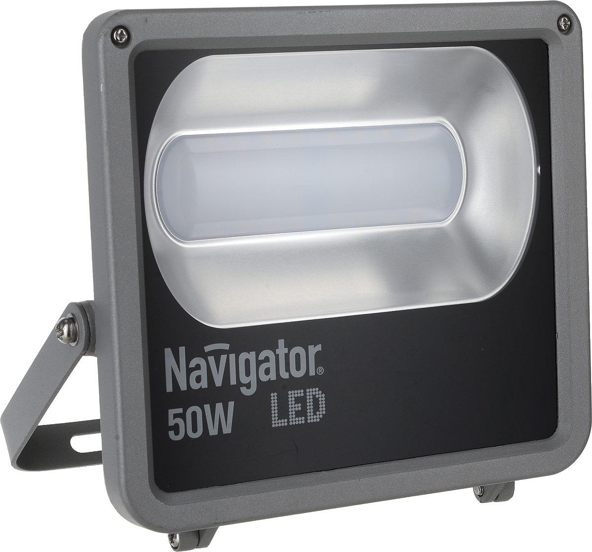 Прожектор Navigator NFL-M-50-4K-IP65-LED, светодиодный4670004713181Прожектор Navigator NFL-M-50-4K-IP65-LED используется для освещения предметов и объектов, удаленных на расстояния, многократно превышающие размер самого прибора. Прожекторы общего назначения применяются при освещении рабочих периметров, открытых территорий, зданий и памятников, а также может использоваться для наружного освещения.Особенности: Компактный алюминиевый корпус с увеличенной площадью рассеивания.Специальный матовый рассеиватель, закрывающий светодиоды.Алюминиевый рефлектор.Установочный кронштейн.Технические характеристики:Мощность: 50 Вт.Световой поток: 3000 лм.Цветовая температура: 4000 К.Индекс цветопередачи: >75.Степень защиты: IP65.Напряжение: 165-264 В.Частота: 50/60 Гц.Коэффициент мощности: >0,9.Температура эксплуатации: от -30 до +40°C.Срок службы: 40 000 ч.