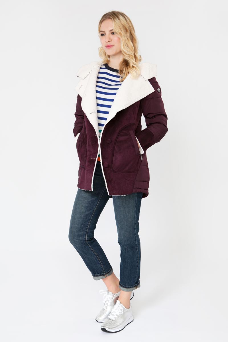 Куртка женская Elfina, цвет: бордовый. F1706-KW_MARSALA. Размер S (44)F1706-KW_MARSALAСтильная женская куртка выполнена из комбинированного материала. В качестве утеплителя используется синтепон. Модель с капюшоном застегивается на пуговицы. Изделие дополнено двумя втачными карманами на застежках-молниях.