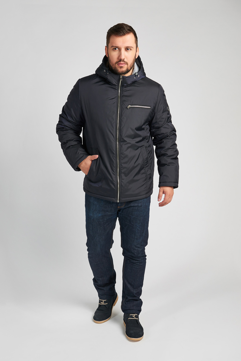 Куртка мужская Vizani, цвет: синий. 10603С_90. Размер 5210603С_90Модная мужская куртка Vizani изготовлена из высококачественного нейлона. В качестве наполнителя используется синтепон. Куртка с несъемным капюшоном застегивается на застежку-молнию. Капюшон дополнен эластичной кулиской со стопперами. Спереди предусмотрено два боковых кармана и нагрудный карман на застежке-молнии. На внутренней стороне расположено два вшитых кармана на молниях. С внутренней стороны по нижнему краю изделие дополнено эластичным шнурком со стопперами.