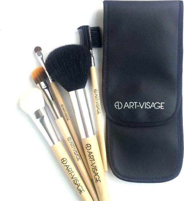 Art-Visage Футляр для 5 кистей (кож.зам.)AV043277Практичный пенал позволит содержать кисти в порядке, а их ворс – в сохранности, без заломов и распушения. Вмещает простой базовый набор кистей.