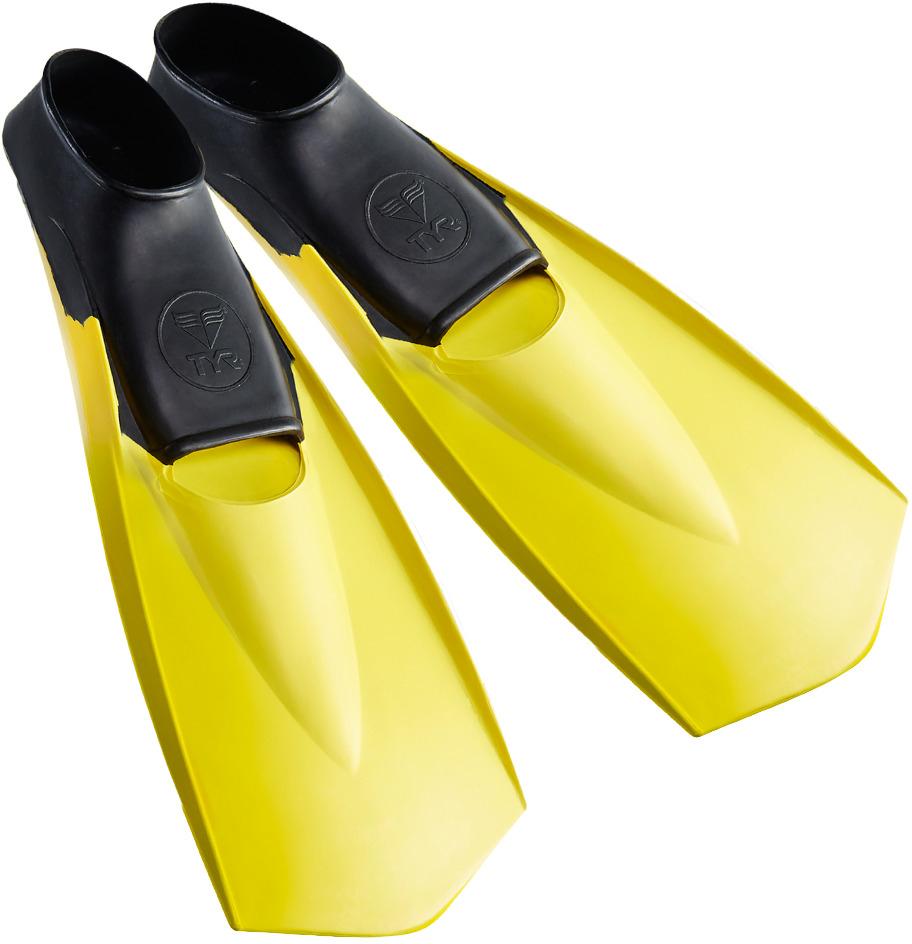 Ласты Tyr Flexfins, цвет: черный, желтый. Размер S. LFNLFNЛасты TYR являются незаменимым аксессуаром для тренировки. Ласты изготовлены из высококачественной резины, которая не натирает кожу и прекрасно растягивается. Специальный узор на поверхности подошвы позволяет получить надежное сцепление с поверхностью бассейна. Ласты предназначены для создания большей опоры о воду и создания более мощной движущей силы. Ласты такого типа позволяют новичкам более эффективно освоить технику работы ног в спортивном плавании, также они подойдут любителям подводного плавания для увеличения скорости продвижения под водой. Каждый размер соответствует своему цвету.