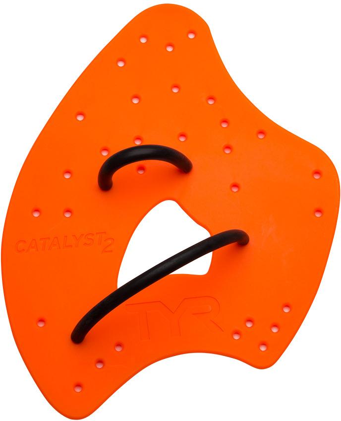 Лопатки для плавания Tyr Catalyst 2 Training Paddles, цвет: оранжевый. Размер XXS. LVC2LVC2Лопатки для плавания TYR Catalist 2 Training отличаются особой формой, которая позволяет лучше ощутить потоки воды и равномерно распределить давление для снижения нагрузки на плечи. Большое количество отверстий позволяет максимально удобно отрегулировать крепление. Лопатки изготовлены из полипропилена, что делает их прочными, легкими и гибкими. Лопатки предназначены для детей до 8 лет.