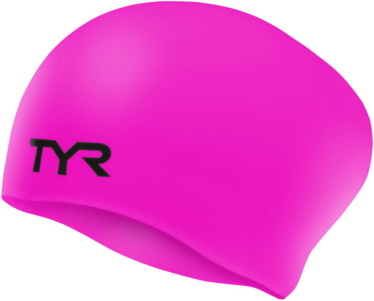 Шапочка для плавания Tyr Long Hair Wrinkle-Free Silicone Cap, цвет: розовый. LCSLLCSLСиликоновая шапочка TYR Long Hair Wrinkle Free изготовлена из высококачественного материала, устойчивого к воздействию хлорированной воды, что гарантирует долгий срок службы. Материал шапочки не вызывает раздражения кожи и других аллергических реакций. Ассиметричный дизайн шапочки специально разработан для людей с длинными волосами (они не будут зажиматься или стягиваться, их можно аккуратно убрать назад). Прекрасный вариант для тренировок в бассейне.