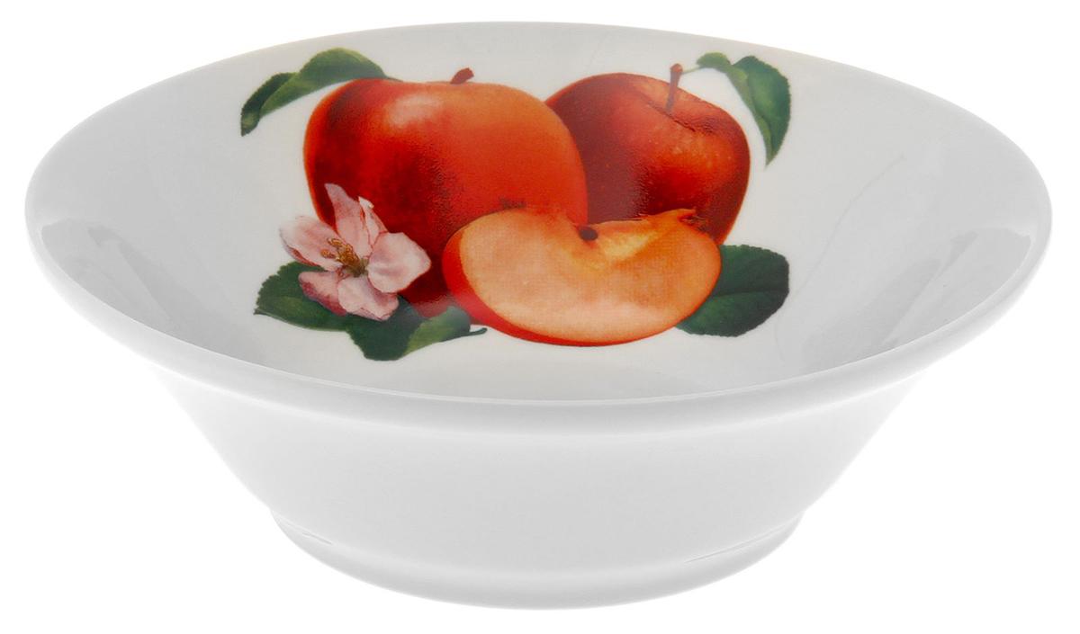 Салатник Добрушский фарфоровый завод Идиллия. Яблоко, 600 мл1303773_ЯблокоЭлегантный салатник Идиллия. Яблоко, изготовленный из высококачественного фарфора, прекрасно подойдет для подачи различных блюд: закусок, салатов или фруктов.Такой салатник украсит ваш праздничный или обеденный стол, а оригинальное исполнение понравится любой хозяйке.