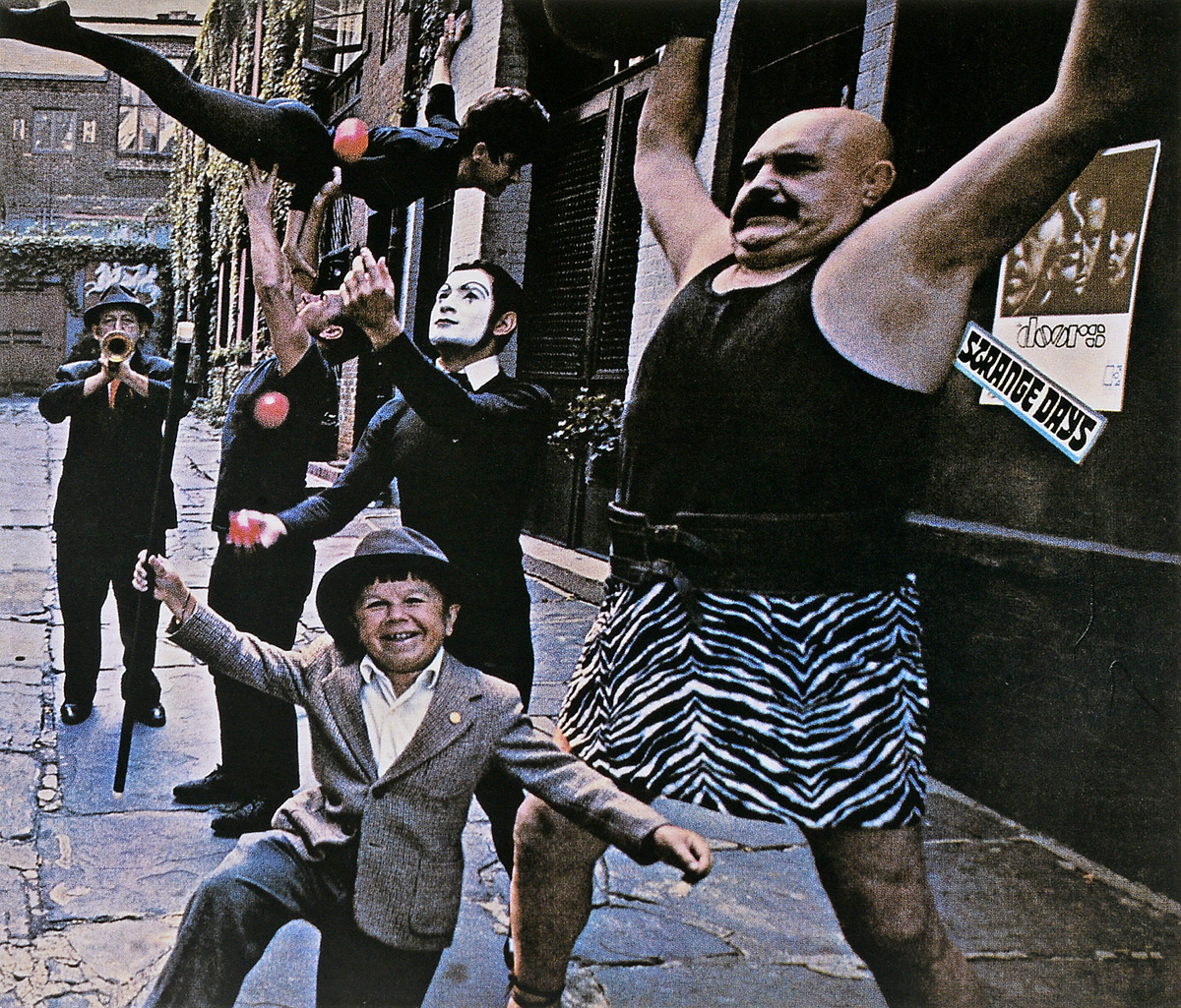 The Doors The Doors. Strange Days (50th Anniversary) (2 CD) cd диск the doors when you re strange a film about the doors songs from the motion picture 1 cd