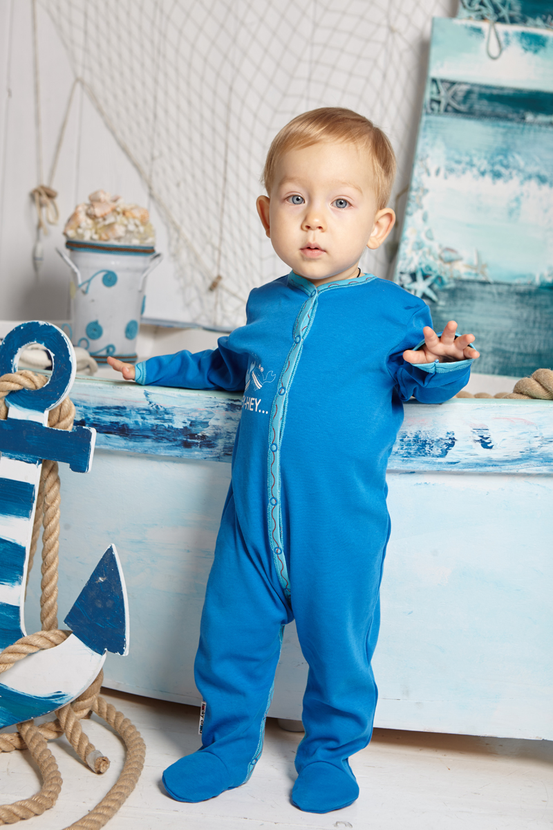Комбинезон домашний детский Luky Child, цвет: синий. А5-103/синий. Размер 56/62А5-103/синийДетский комбинезон Lucky Child - очень удобный и практичный вид одежды для малышей. Комбинезон выполнен из натурального хлопка, благодаря чему он необычайно мягкий и приятный на ощупь, не раздражают нежную кожу ребенка и хорошо вентилируются, а эластичные швы приятны телу малыша и не препятствуют его движениям. Комбинезон с длинными рукавами и закрытыми ножками имеет застежки-кнопки, которые помогают легко переодеть младенца или сменить подгузник. С детским комбинезоном Lucky Child спинка и ножки вашего малыша всегда будут в тепле, он идеален для использования днем и незаменим ночью. Комбинезон полностью соответствует особенностям жизни младенца в ранний период, не стесняя и не ограничивая его в движениях!
