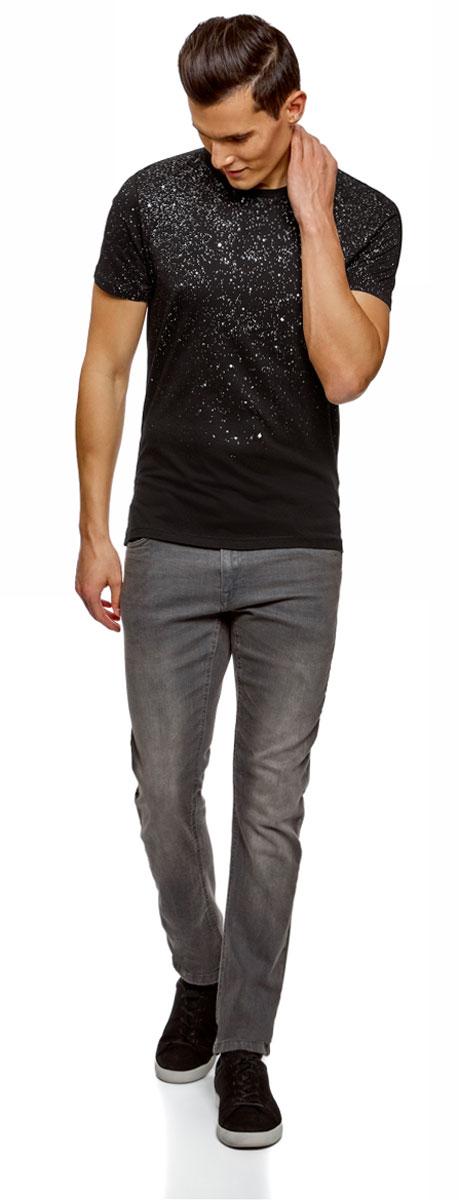 Футболка мужская oodji Lab, цвет: черный, серебристый. 5L611407M/39333N/2991P. Размер M (50)5L611407M/39333N/2991PСтильная мужская футболка, выполненная из высококачественного материала, станет отличным дополнением вашего гардероба. Модель с круглым вырезом горловины и короткими рукавами. Горловина дополнена трикотажной резинкой.