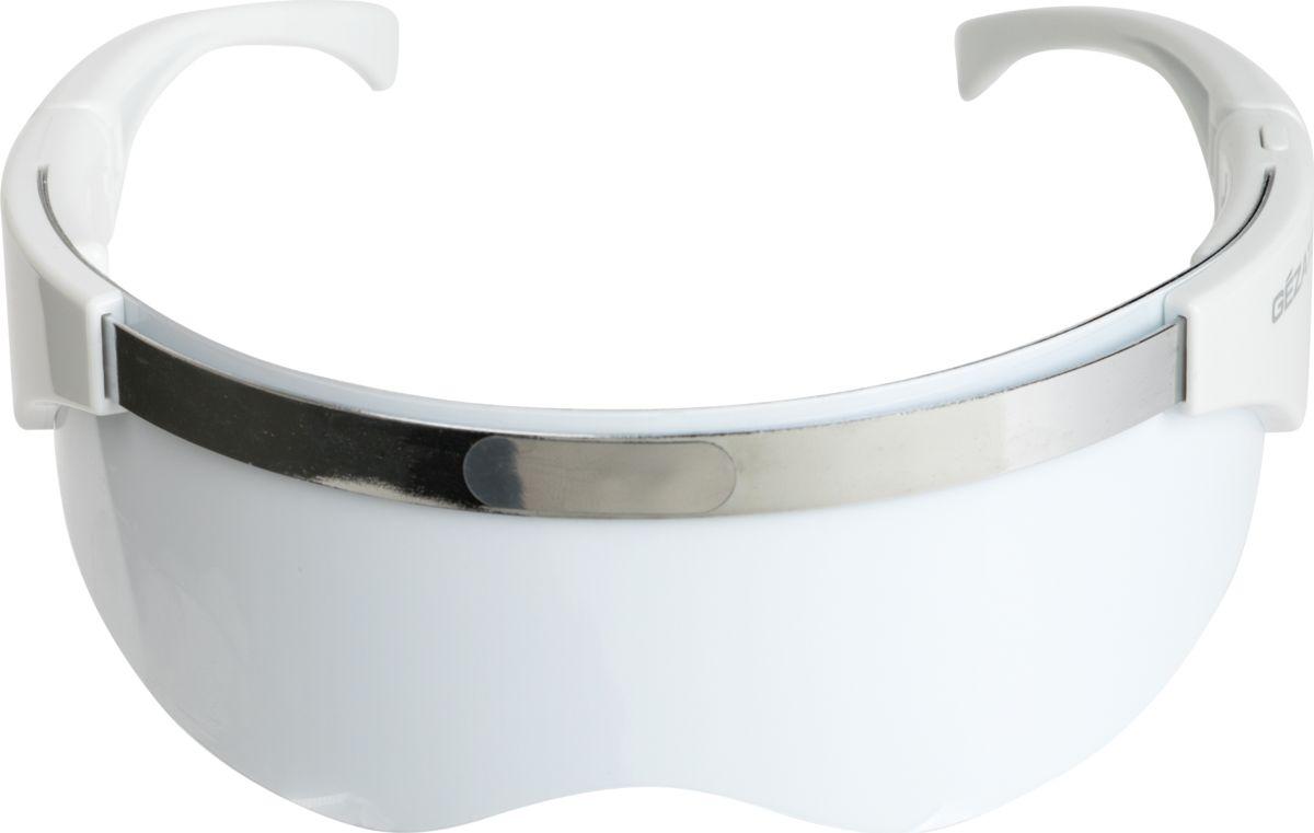 Gezatone m1018 Прибор по уходу за кожей лица17443Светодиодная маска от Gezatone – это небольшой прибор, который поможет вам проводить сеансы хромотерапии на дому. Чтобы использовать прибор, не требуется особых навыков, достаточно ознакомиться с инструкцией. Преимущества аппарата: удобное управление при помощи одной кнопки.12 светодиодов обеспечивают мощное воздействие на кожу вокруг глаз, щёки и скулы, часть лба.Два спектра разных цветов (красный и голубой) оказывают различные эффекты и идеально дополняют друг друга.На проведение одного сеанса требуется всего 10 минут (для каждого цвета).Уже после первой процедуры кожа выглядит молодой, свежей и красивой, ваше лицо становится отдохнувшим.Прибор очень аккуратно воздействует на кожу, не травмируя, не обжигая и не растягивая её.Дизайн – стильный и эргономичный – сделает процедуру ещё более комфортной.Прибор имеет совсем немного противопоказаний и может быть использован людьми любого возраста и пола.Использование аппарата можно сочетать с использованием экспресс-масок, что рекомендовано для кожи, склонной к увяданию и низкому кровообращению. Рекомендованная продолжительность процедур – от 7 до 14 дней, частота – 1 раз в день.
