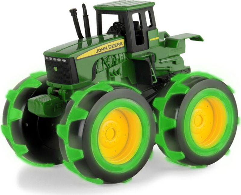 Tomy John Deere Трактор Monster Treads с подсветкой машины tomy трактор john deere 6210r