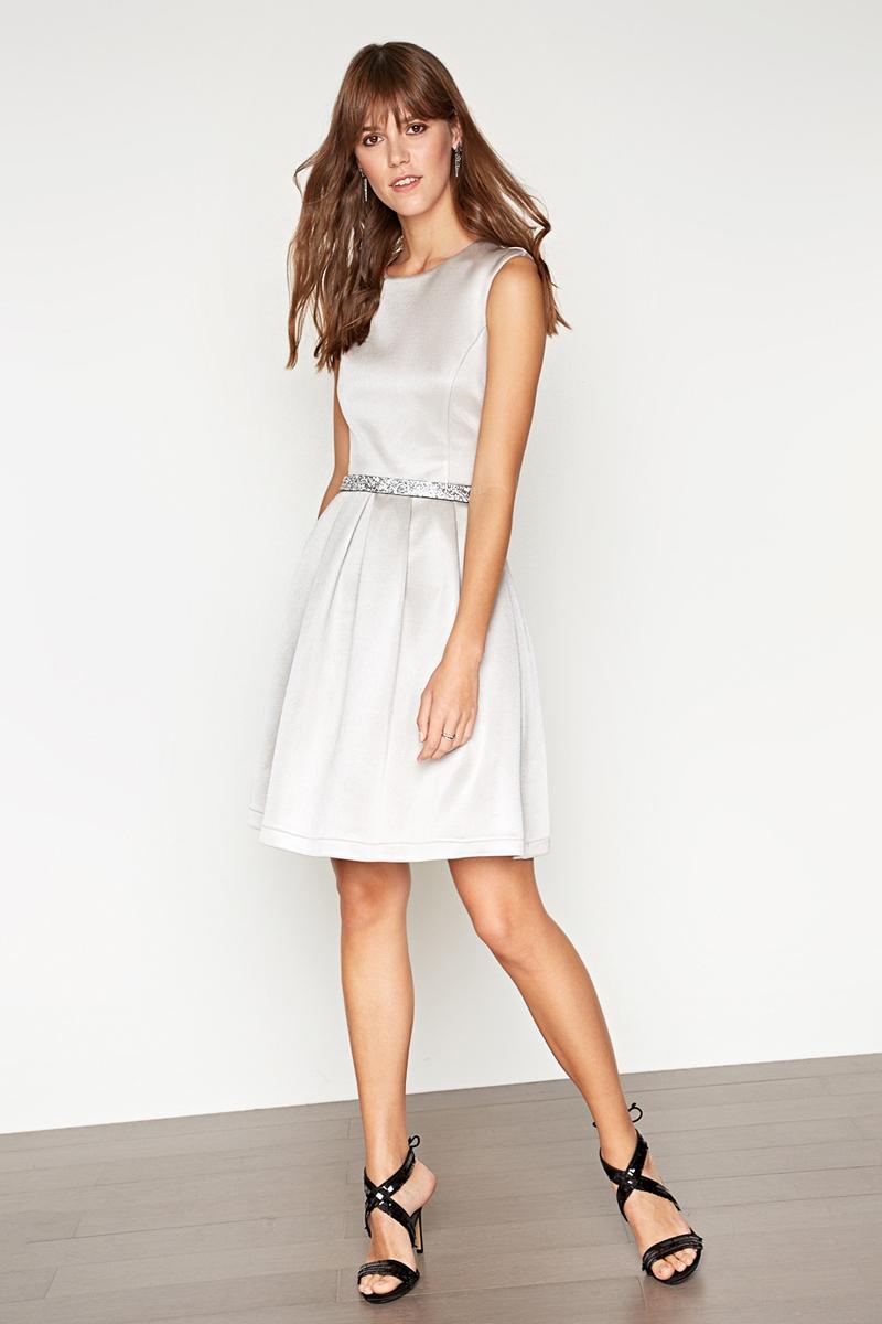 Платье Concept Club Talisman, цвет: серебряный. 10200200396_3700. Размер M (46)10200200396_3700Платье Concept Club выполнено из полиэстера и эластана. Модель с круглым вырезом горловины сзади застегивается на застежку-молнию.