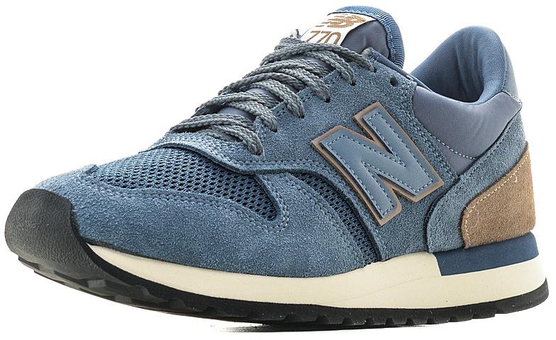 Кроссовки мужские New Balance 770, цвет: голубой. M770BLU/D. Размер 11,5 (44,5)M770BLU/DСтильные мужские кроссовки от New Balance придутся вам по душе. Верх модели выполнен из высококачественныхматериалов. По бокам обувь оформлена декоративными элементами в виде фирменного логотипа бренда, на язычке - фирменной нашивкой, задник логотипом бренда. Классическая шнуровка надежно зафиксирует изделие на ноге. Подкладка и стелька, изготовленные из текстиля, гарантируют уют и предотвращают натирание. Подошва оснащена рифлением для лучшей сцепки с поверхностями. Удобные кроссовки займут достойное место среди коллекции вашей обуви.