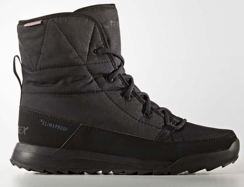 Ботинки женские Adidas Terrex Choleah Padd, цвет: черный. S80748. Размер 5,5 (37,5)S80748Повседневные женские ботинки от adidas, в которых будет комфортно в холодную погоду. Материал Climaproof надежно защищает от снега и дождя, а утеплитель PrimaLoft отлично согревает. Рельефная резиновая подошва обеспечивает устойчивость даже на мокрых поверхностях. Специальная конструкция, разработанная с учетом особенностей женской стопы, идеально сидит на ноге.Водонепроницаемый материал Climaproof сохраняет комфорт и сухость ног. Дышащая технология Climawarm сохраняет ноги в тепле и сухости.Высокотехнологичный синтетический наполнитель Primaloft продолжает греть даже во влажном состоянии.Легкая упругая промежуточная подошва из ЭВА сохраняет свои свойства в течение длительного времени.Резиновая подошва Traxion и специальный глубокий протектор адаптированы для оптимального сцепления даже с мокрыми поверхностями.