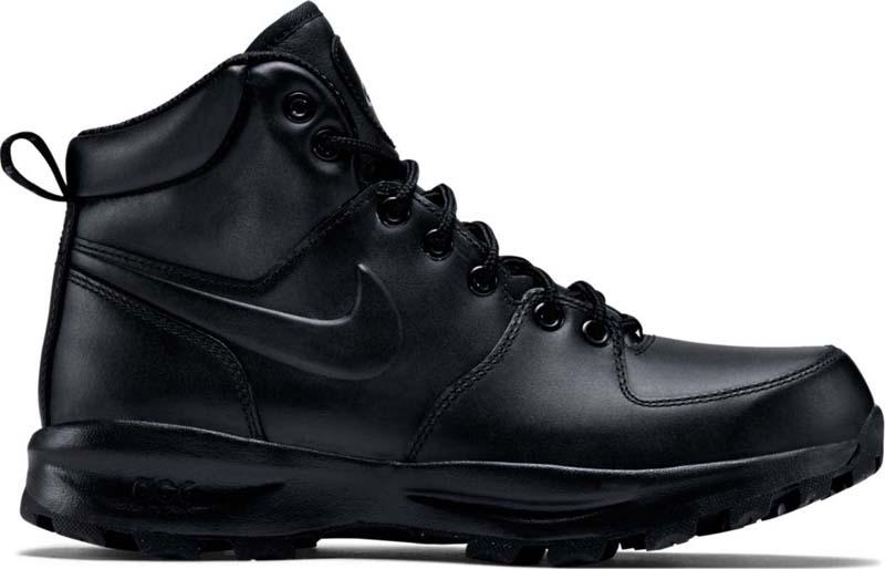 Ботинки мужские Nike Manoa leather, цвет: черный. 454350-003. Размер 7,5 (39,5)454350-003Мужские ботинки Nike Manoa Leather созданы для пересеченной местности и помогут тебе противостоять холодной и дождливой погоде благодаря верху из высококачественной водонепроницаемой кожи, невесомой амортизации и мягкому бортику для защиты голеностопа и длительного комфорта. Прочный верх из водонепроницаемой кожи защищает от влаги и холода. Верх из сетки обеспечивает вентиляцию и комфорт. Язычок со вставкой защищает ботинки от попадания грязи и влаги для длительного комфорта. Система шнуровки с металлическими отверстиями обеспечивает надежную фиксацию и дополнительную прочность. Подошва из материала Phylon обеспечивает амортизацию без утяжеления.