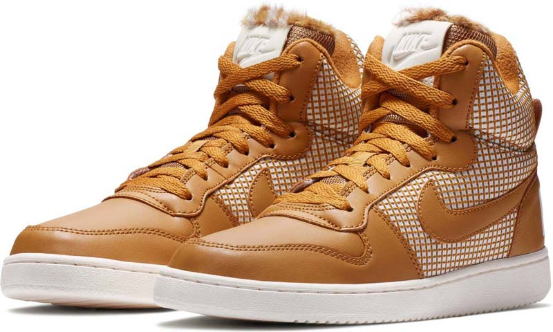 Кеды женские Nike Court Borough Mid SE Shoe, цвет: оранжевый. 916793-700. Размер 7,5 (37,5)916793-700Женские Кеды Nike Court Borough Mid SE переносят классический баскетбольный стиль на улицы. Модель из кожи с прочными текстильными накладками с мягким бортиком обеспечивает комфорт. Верх из кожи и текстиля обеспечивает комфорт и прочность. Бортик средней высоты для дополнительной защиты. Подошва Cupsole обеспечивает превосходную гибкость и комфорт. Резиновая подметка для сцепления с поверхностью и прочности.