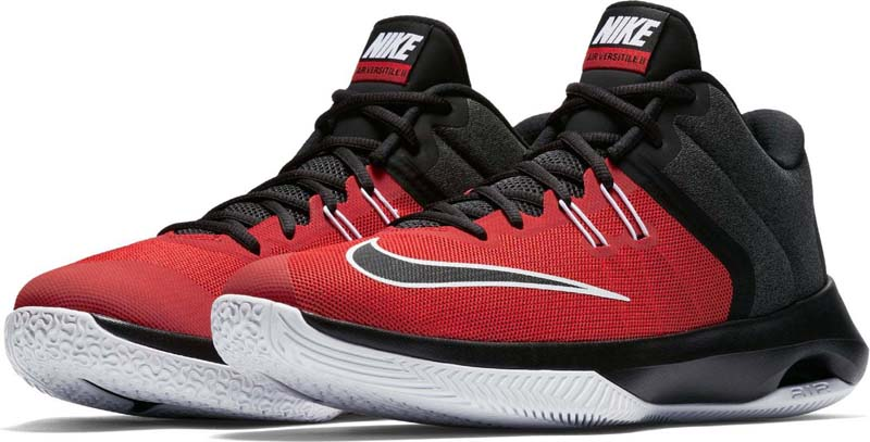 Кроссовки для баскетбола мужские Nike Air Versitile II Basketball Shoe, цвет: красный, черный. 921692-600. Размер 8 (40,5)921692-600Мужские баскетбольные кроссовки Nike Air Versatile II созданы для универсальных игроков, которым в первую очередь нужны комфорт, фиксация и амортизация. Нити Flywire стабилизируют среднюю часть стопы, а область пятки из первоклассного ультрамягкого текстиля с подкладкой из пеноматериала обеспечивает фиксацию. Видимая вставка Air-Sole обеспечивает легкость и амортизацию. Нити Flywire для стабилизации и фиксации. Превосходный текстильный материал создает ощущение невероятной мягкости и комфорта в области пятки. Улучшенная резиновая подметка с зигзагообразным рисунком обеспечивает надежное сцепление.