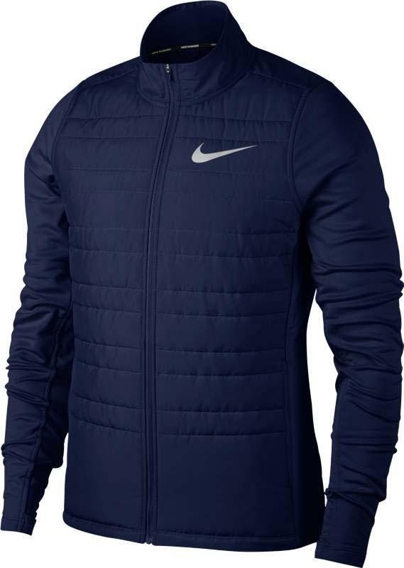 Куртка для бега мужская Nike Nk Filled Essential Jkt, цвет: синий. 856896-429. Размер XL (52/54)856896-429Легкая мужская беговая куртка Nike Essential с утеплителем, размещенным с учетом анатомических особенностей, и водоотталкивающим покрытием спереди защищает от влаги во время небольшого дождя. Высокий ворот-стойка не пропускает холодный воздух. Боковые карманы на молниях - для хранения мелочей. Облегающий крой - для удобного сочетания с другой одеждой. Удобно снимать и надевать благодаря передней молнии по всей длине изделия. Удлиненная сзади изогнутая нижняя кромка для дополнительной защиты.