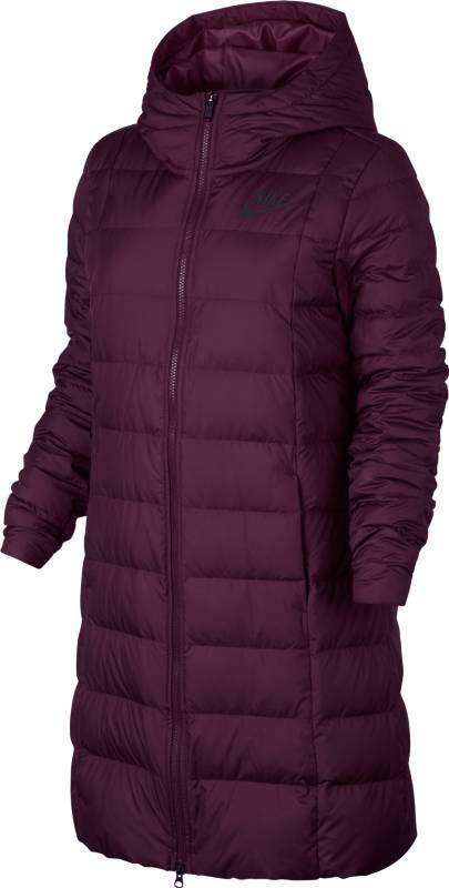 Пуховик женский Nike Nsw Dwn Fill Prka, цвет: фиолетовый. 854860-652. Размер XS (40/42)854860-652Женская куртка Nike Sportswear — более женственная версия классической модели с пуховым наполнителем, удлиненной нижней кромкой и эластичной вставкой на спине. Она обеспечивает тепло и выгодно подчеркивает фигуру. Капюшон состоит из нескольких панелей для защиты. Эластичная вставка на спине выгодно подчеркивает фигуру. Двусторонняя молния позволяет легко снимать и надевать модель. Удлиненный крой для дополнительной защиты. На груди слевананесен яркий логотип Nike.