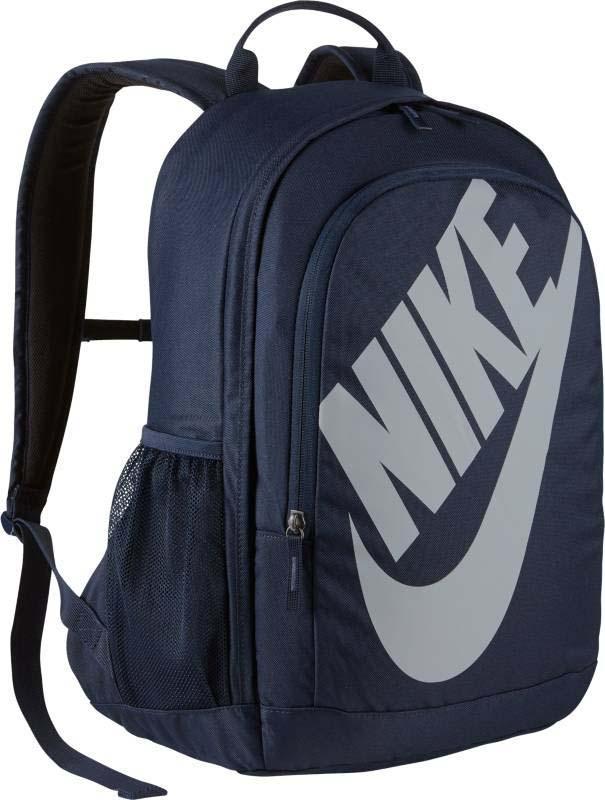Рюкзак Nike Backpack, цвет: синий. BA5217-451BA5217-451Мужской рюкзак Nike Sportswear Hayward Futura — новое исполнение любимой модели со множеством отделений для экипировки. Прочный корпус украшен новой графикой. Дополнительные карманы для хранения мелочей. Корпус сумки из полиэстера плотного плетения обеспечивает высокую прочность. Мягкие плечевые лямки регулируются для индивидуального комфорта. Вместительное основное отделение и боковые карманы для хранения. Боковые карманы из сетки для хранения мелочей. Ручка сверху как альтернативный вариант ношения.