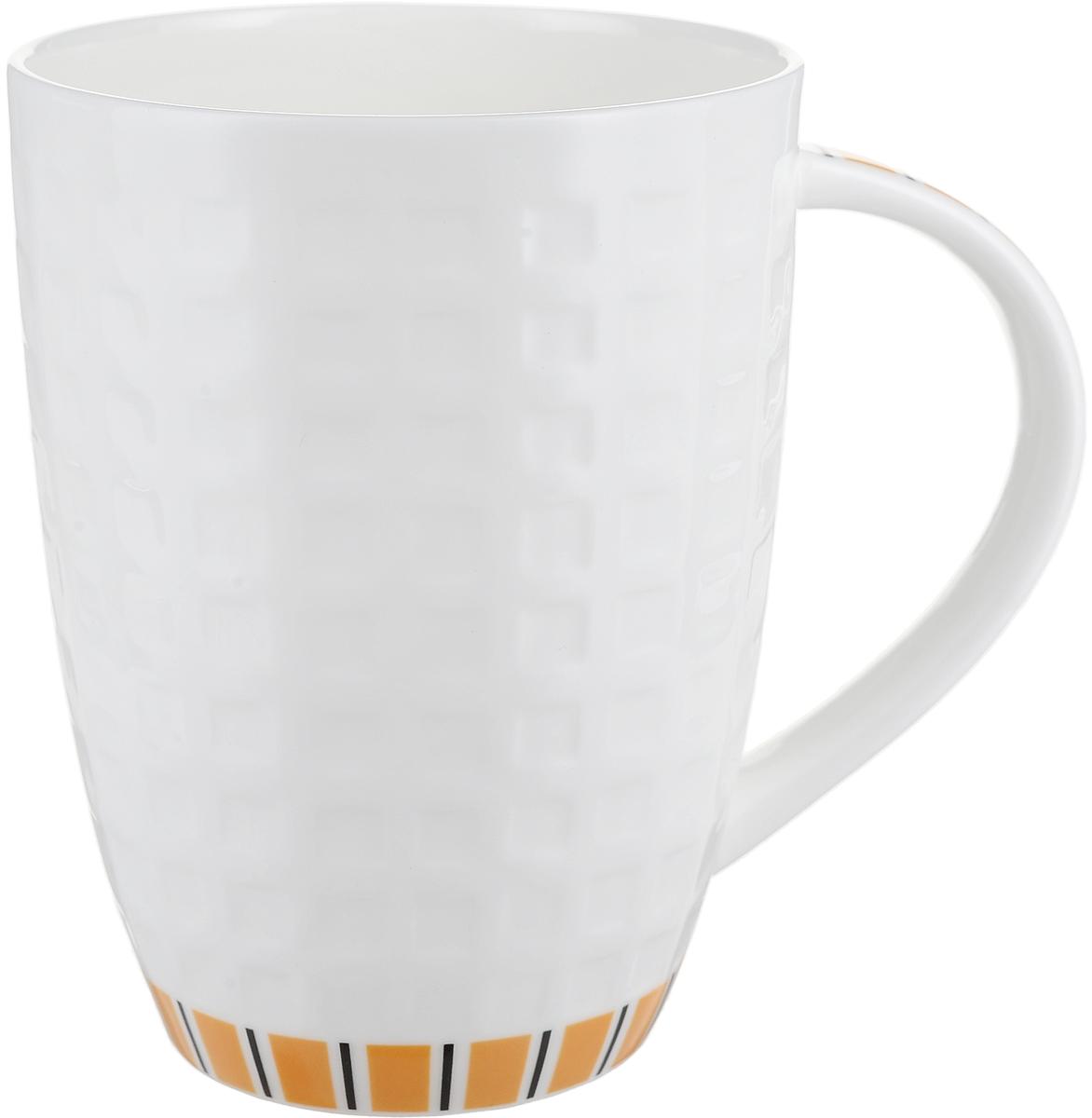 Кружка Royal Aurel Канфаэль, цвет: белый, оранжевый, 330 млОБЧ00000917Фарфор Royal Aurel отличается исключительной белизной, что объясняется уникальными компонентами и традиционной технологией, по которой он был изготовлен. Белая глина из провинции Фуцзянь и традиционные рецепты китайских мастеров создают неповторимую композицию. Дизайн коллекций выполнен в соответствии с актуальными европейскими тенденциями.Материал: костяной фарфор.