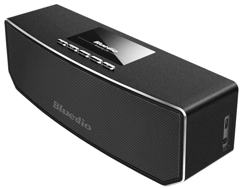 Bluedio CS-4 беспроводная колонкаCS-4Беспроводная колонка Bluedio CS-4 позволяет слушать вашу любимую музыку со смартфона с помощью подключения через Bluetooth, а также отвечать на звонки. Вы также можете подключить любой другой источник аудио через разъем 3,5 мм. 3D-режим позволяет сделать басы намного больше. К каждому динамику добавлены 2 вспомогательных магнита, что способствует более точной передаче звуков. DSP-процессор имеет частоту дискретизации 24 бит/48 кГц, что позволяет качественно воспроизводить аудиотреки.Как выбрать портативную колонку. Статья OZON Гид