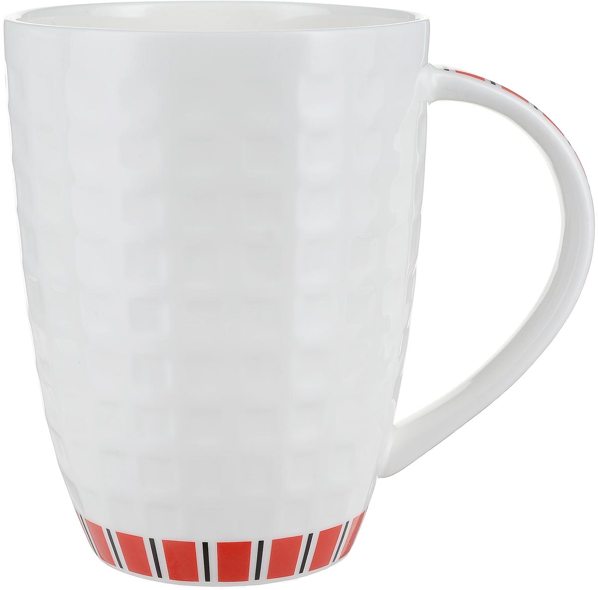 Кружка Royal Aurel Канфаэль, цвет: белый, красный, 330 мл1103Фарфор Royal Aurel отличается исключительной белизной, что объясняется уникальными компонентами и традиционной технологией, по которой он был изготовлен. Белая глина из провинции Фуцзянь и традиционные рецепты китайских мастеров создают неповторимую композицию. Дизайн коллекций выполнен в соответствии с актуальными европейскими тенденциями.Материал: костяной фарфор.