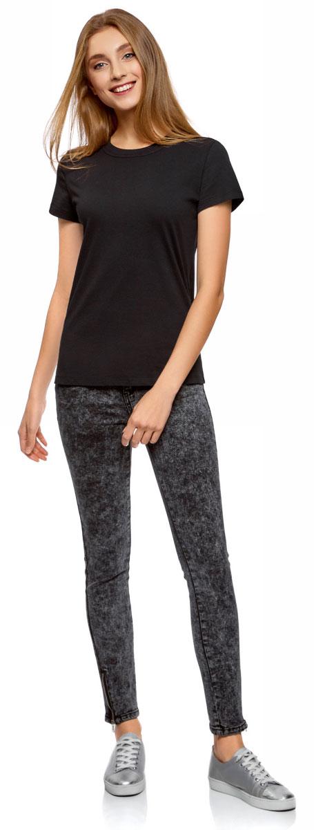 Футболка женская oodji Ultra, цвет: черный. 14701078B/48005/2900N. Размер L (48)14701078B/48005/2900NОднотонная женская футболка, выполненная из натурального хлопка, незаменимая вещь любого гардероба. Модель с короткими рукавами и круглым вырезом горловины. Горловина дополнена трикотажной резинкой, что предотвращает деформацию при носке.
