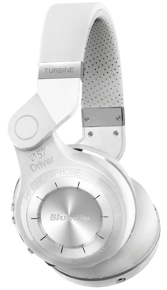 Bluedio T2, White беспроводные наушникиT2 whiteБеспроводные наушники с микрофоном Bluedio T2 можно подключать к мобильным устройствам благодаря технологии Bluetooth 4.1. Гарнитура работает от встроенного аккумулятора, которого хватит на 40 часов прослушивания музыки. Удобное широкое оголовье можно регулировать, а складная конструкция позволяет хранить или перевозить наушники в чехле. При желании их можно подключить к источнику аудио с помощью комплектного кабеля с разъемом 3.5 мм. Управление функциями осуществляется с помощью кнопок, расположенных на правой чашке наушников.