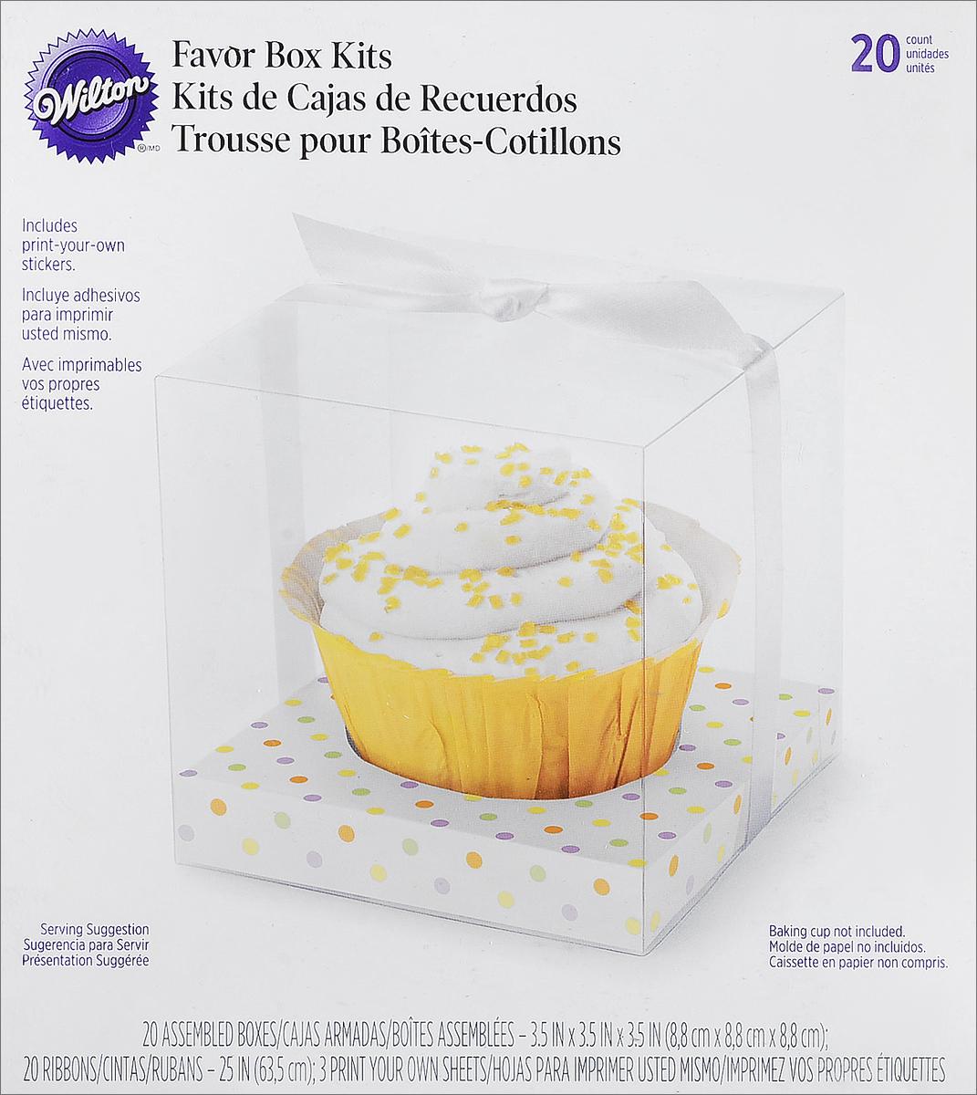 """Набор Wilton """"Пастельный горошек"""" состоит из 20 коробочек, выполненных из  пластика и картона с принтом в горошек. В набор также входят 20 ленточек и 20  ярлычков для подписи. Wilton """"Пастельный горошек"""" - идеальная подарочная  упаковка для вашего сладкого подарка. Просто поместите в коробочку кекс,  маленький тортик или печенье, завяжите наверху ленточку и добавьте именную  надпись. Удивительно красивый и вкусный подарок готов!  Размер коробочки: 9 см х 9 см х 9 см."""