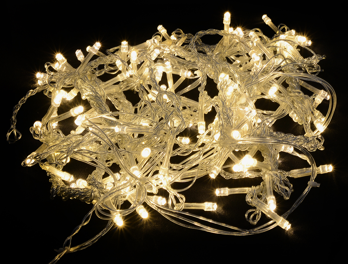 Гирлянда светодиодная Luazon Бахрома. Сердце, фиксинг, 124 ламп, 220 V, цвет: теплый белый, 2 х 1,5 м. 10418891041889Светодиодные гирлянды, ленты и т.д — это отличный вариант для новогоднего оформления интерьера или фасада. С их помощью помещение любого размера можно превратить в праздничный зал, а внешние элементы зданий, украшенные ими, мгновенно станут напоминать очертания сказочного дворца. Такие украшения создают ауру предвкушения чуда. Деревья, фасады, витрины, окна и арки будто специально созданы, чтобы вы украсили их светящимися нитями.