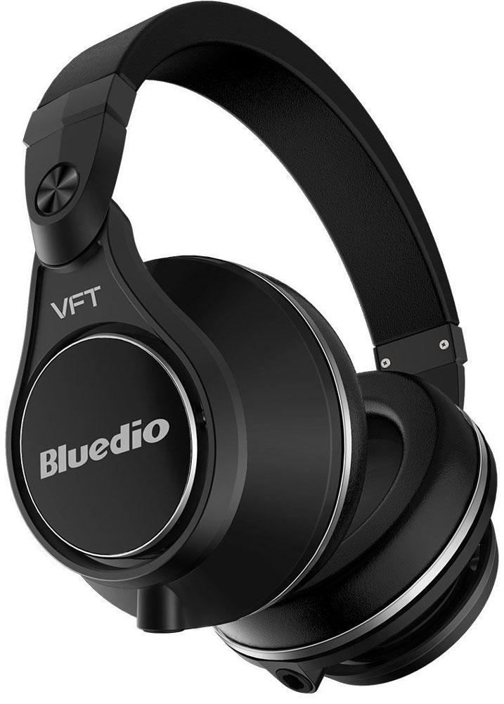 Bluedio Ufo Plus, Black беспроводные наушникиUfo Plus blackBluedio UFO U Plus - это беспроводные наушники накладного типа с микрофоном. В модели используется эксклюзивная технология PPS12, в основе которой лежит использование сразу 12 излучателей. Наушники можно подключать к мобильным устройствам благодаря технологии Bluetooth 4.1. Гарнитура работает от встроенного аккумулятора, которого хватит на целые сутки прослушивания музыки. Удобное широкое оголовье можно регулировать, а складная конструкция позволяет хранить или перевозить наушники в чехле. При желании их можно подключить к источнику аудио с помощью комплектного кабеля с разъемом 3.5 мм. Управление функциями осуществляется с помощью кнопок, расположенных на правой чашке наушников.Диаметр динамиков: 2 х 50 мм, 2 х 30 мм, 8 х 20 мм (в одном наушнике)Сопротивление: 42 Ом (50 мм), 32 Ом (30 мм и 20 мм)
